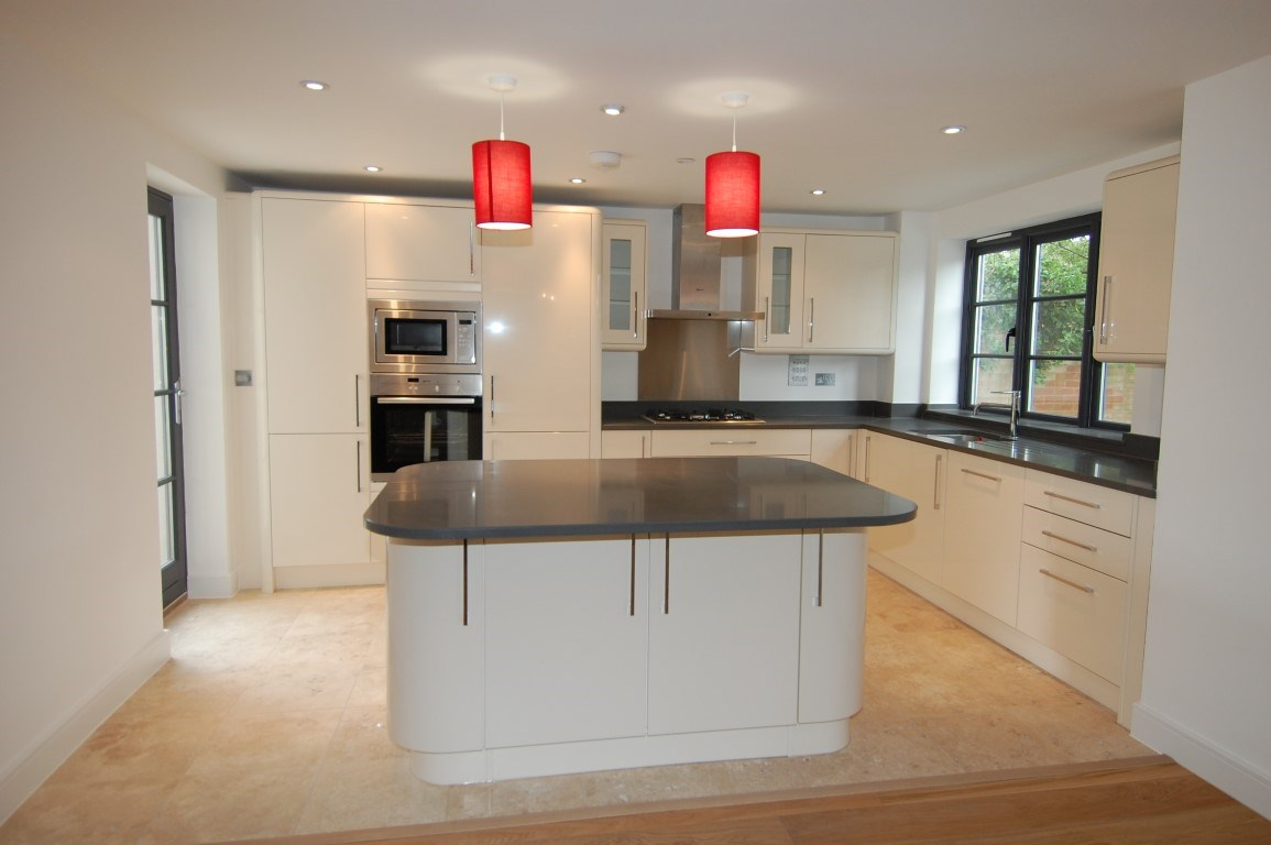 9 Yarnton Road kitchen area (Medium).jpg